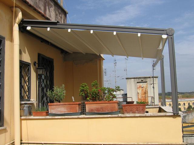 Tende da sole e strutture portanti e permesso a for Tenda terrazzo