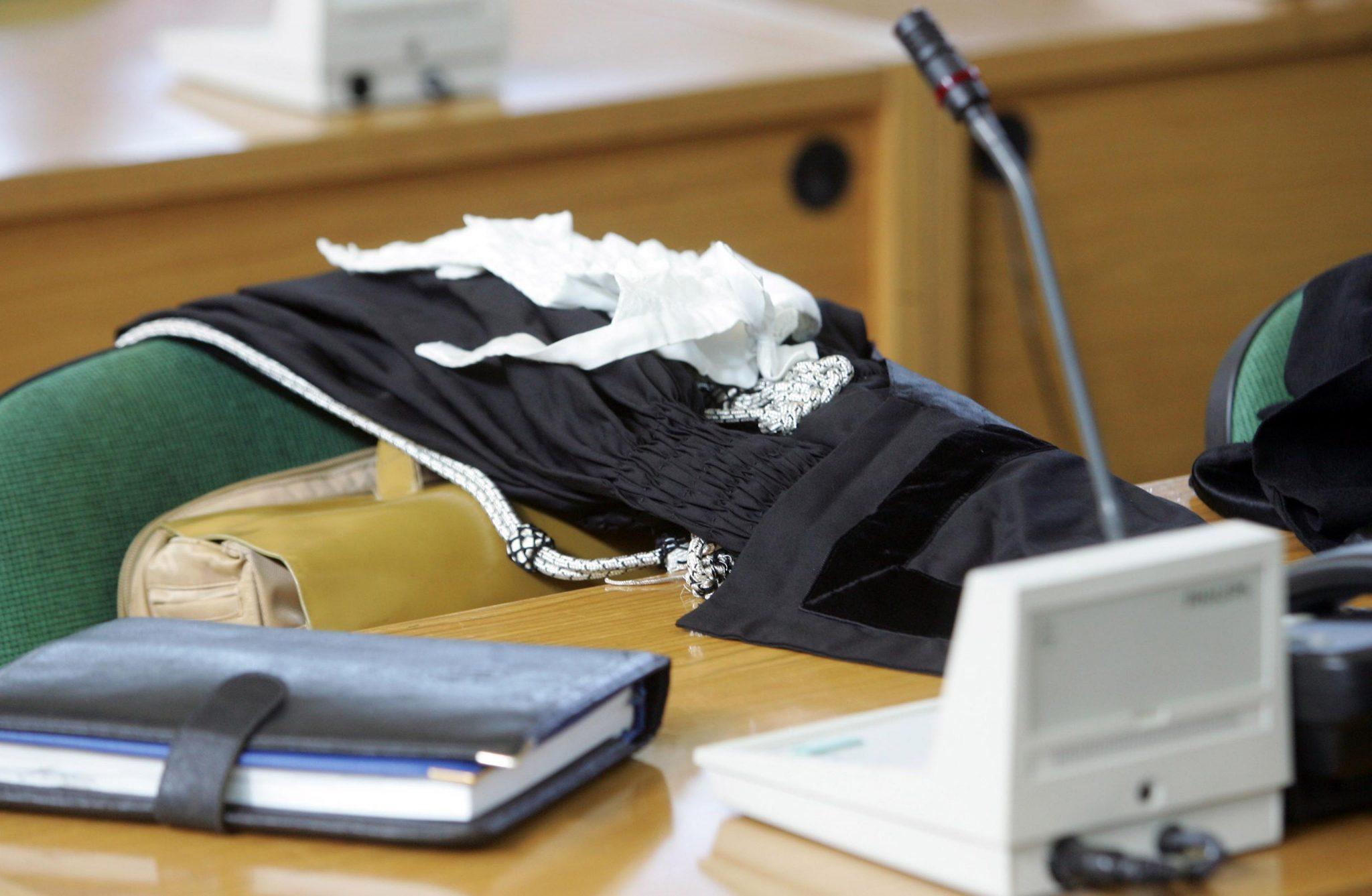Avvocato sospeso ed istanza di sospensione cautelare per - Compravendita immobiliare avvocato 2015 ...