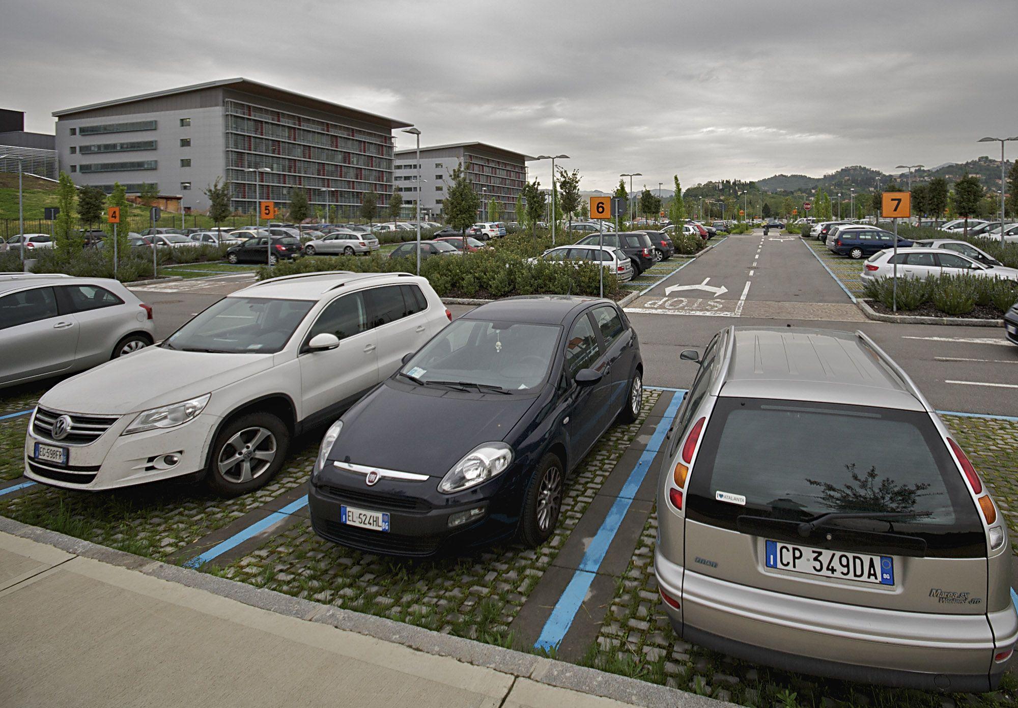 Ganasce e rimozione veicoli in sosta vietata nel - Prima casa senza residenza ...
