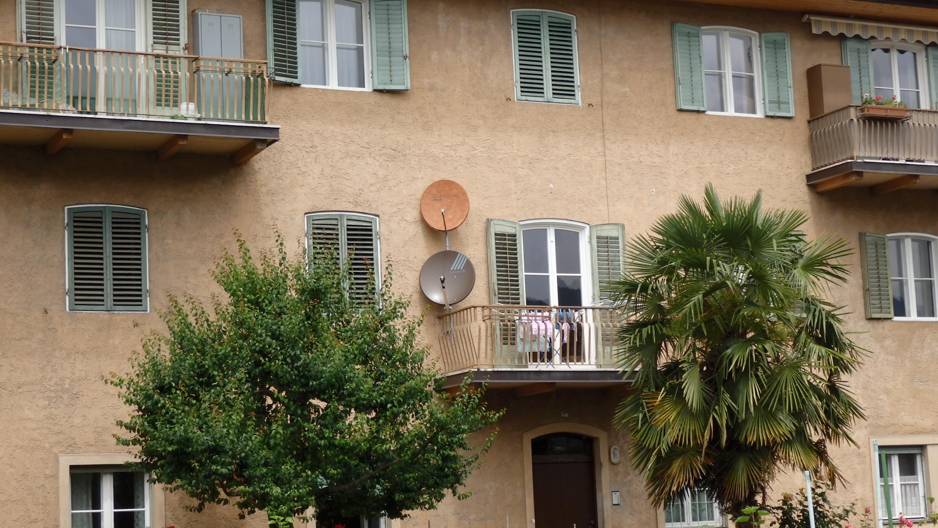 L'antenna satellitare non reca pregiudizio al decoro architettonico nei condomini orizzontali (villette a schiera)