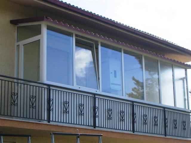 Per realizzare una veranda sul balcone dell\'appartamento occorre ...